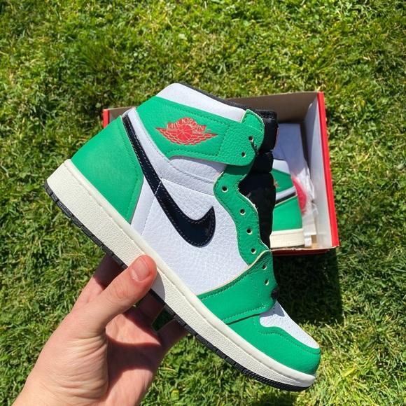Jordan 1 Lucky green size 9w/7.5 men